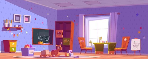 Sala de jardín de infancia, guardería con juguetes, pizarra, mesa y sillas para niños
