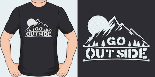 Salir afuera. diseño de camiseta único y moderno