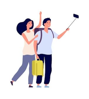 Selfie turístico. pareja joven con mochilas. vacaciones familiares, plano feliz hombre mujer hacer transmisión en vivo o vlog. viajeros aislados personajes vectoriales. ilustración selfie pareja, mujer joven y hombre