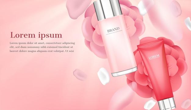 Serum y crema hidratante con pétalos rosas.