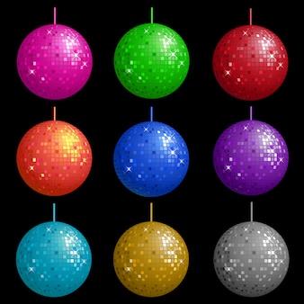 Set de bolas de discoteca colgando de una soga