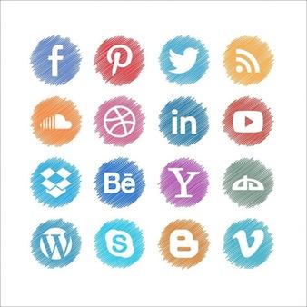 Set de botones de social media garabateados