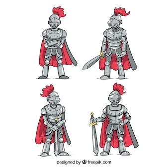 Set de cuatro caballeros dibujados a mano  de armadura con capa