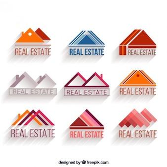 Set de logos de inmobiliaria con forma de triángulo