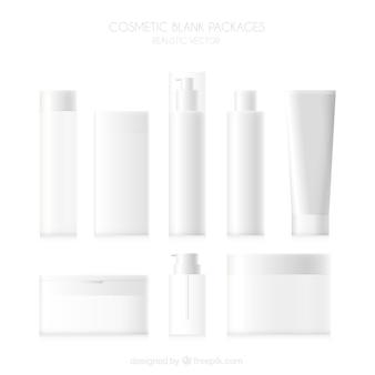 Set de productos de cosmética en blanco