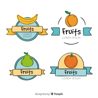 Set de distintivos dibujados de frutas