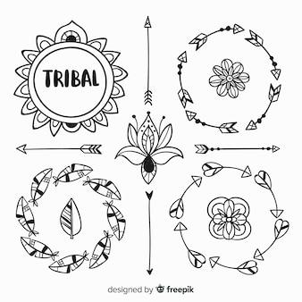 Set de elementos dibujados de estilo boho
