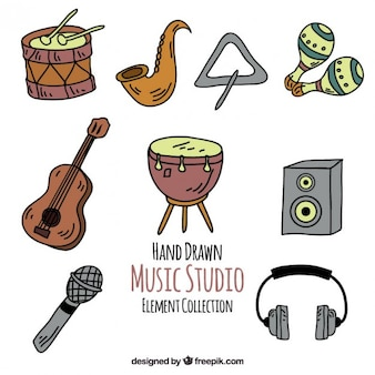 Set de equipamiento de estudio de música dibujado a mano