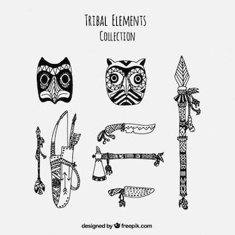 Set de objetos de decoración y utensilios étnicos dibujados a mano