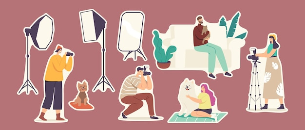 Set de pegatinas estudio mascotas sesión fotográfica, fotografía de animales domésticos. los personajes del fotógrafo hacen fotos de perros y gatos con equipo de iluminación profesional. ilustración de vector de gente de dibujos animados