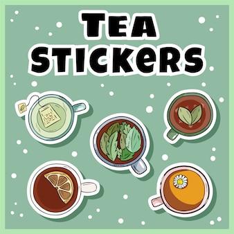 Set de pegatinas de té. tazas de té verde y hierbas, colección de etiquetas. tazas de estilo de dibujos animados dibujados a mano