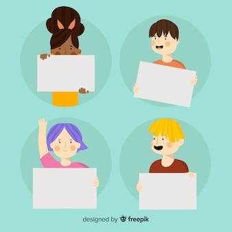 Set de personajes sujetando pancartas