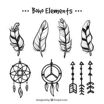 Set de plumas y atrapasueños dibujados a mano