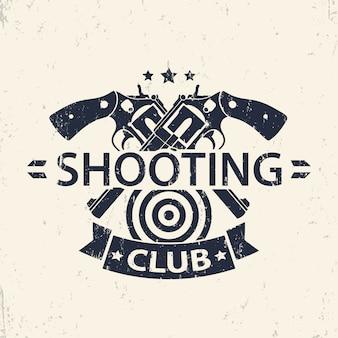 Shooting club, emblema grunge, insignia con pistolas cruzadas, ilustración