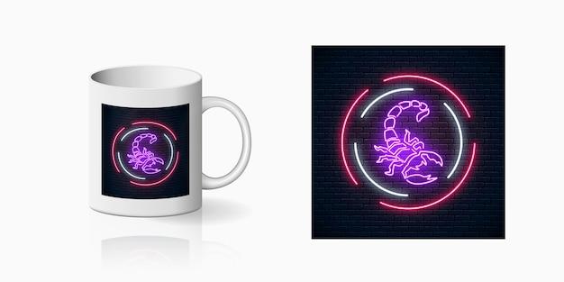 Signo de neón brillante de escorpio en marcos circulares para diseño de taza
