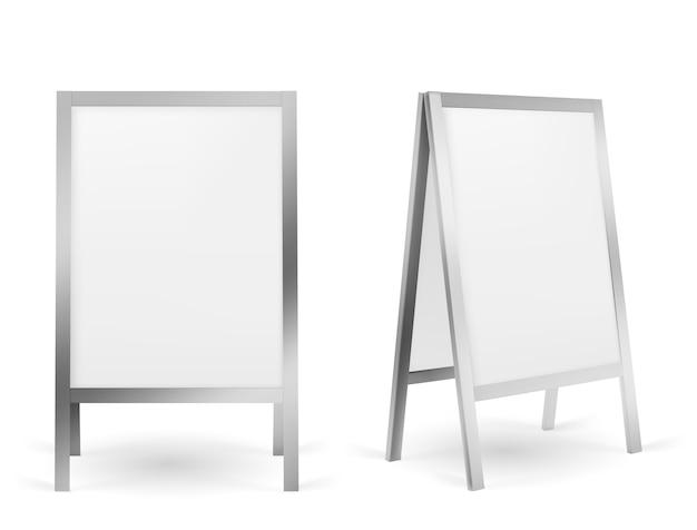 Signo de pavimento, soporte publicitario en la acera en blanco aislado en blanco