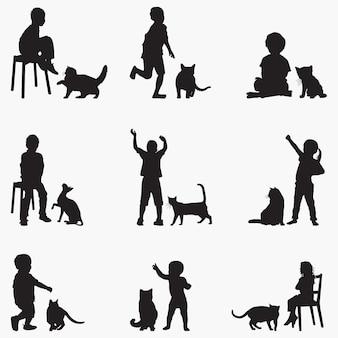 Siluetas de gatos niños