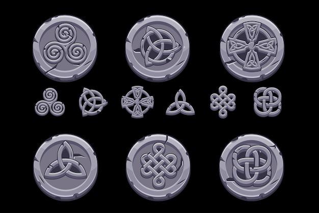 Símbolos celtas. dibujos animados set iconos celtas en moneda de piedra