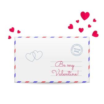 Sobre de san valentín con corazones rojos de papel