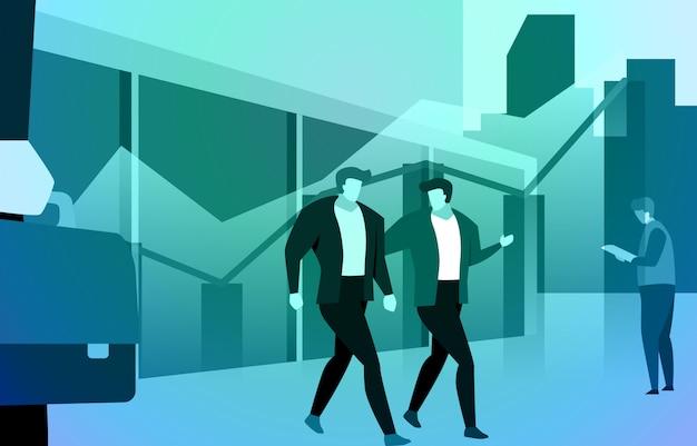 Socio comercial caminando y hablando