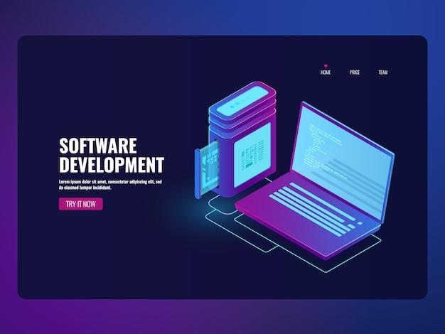 Software de banca en línea, laptop con código de programa en pantalla.