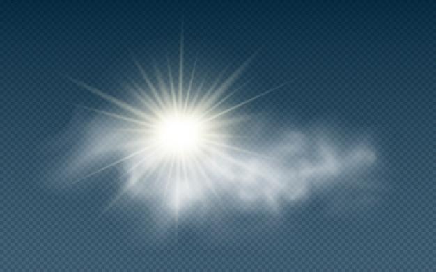 Sol realista con nubes aisladas en transparente