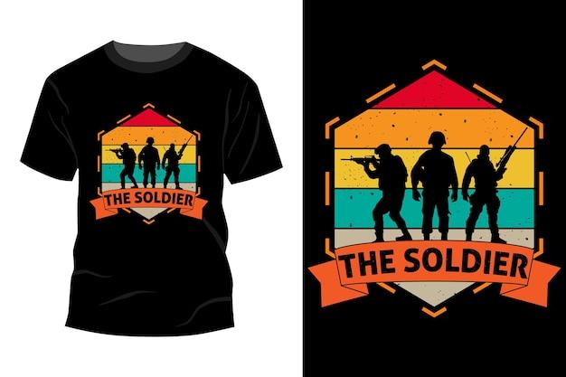 El soldado camiseta maqueta diseño vintage retro