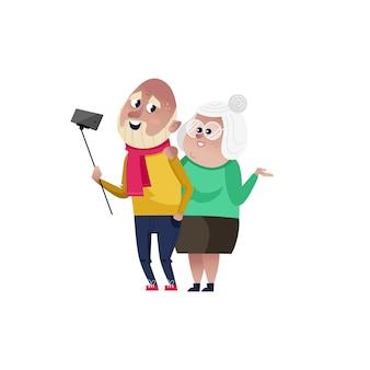 Sonriente pareja de ancianos haciendo personaje selfie.