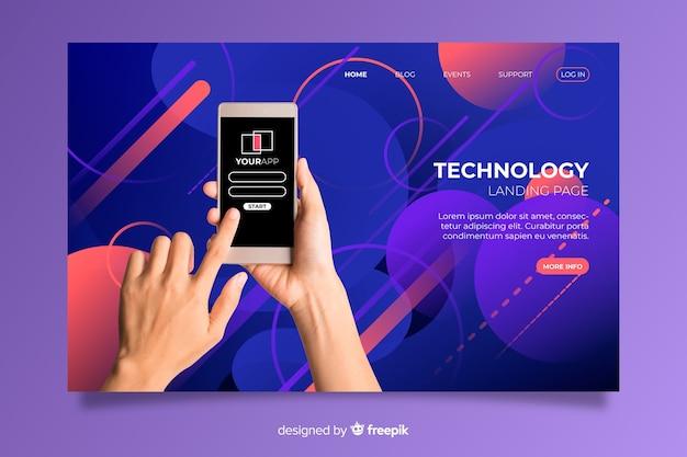 Sosteniendo la página de inicio de tecnología telefónica