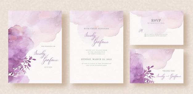 Splash abstracto púrpura con forma floral en la tarjeta de invitación de boda