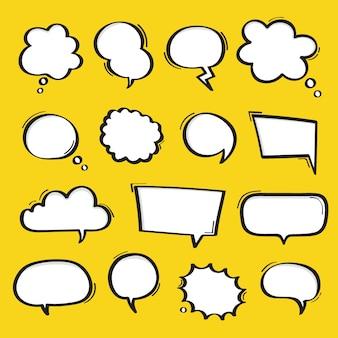 Super set burbujas de discurso dibujado a mano aisladas sobre fondo amarillo.