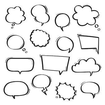Super set burbujas de discurso dibujado a mano.