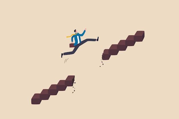 Supere la dificultad u obstáculo para hacer crecer la trayectoria profesional, el desafío y el riesgo para el éxito y ganar el concepto de competencia empresarial, el hombre de negocios ambicioso salta y pasa la brecha de la escalera rota para alcanzar el objetivo.
