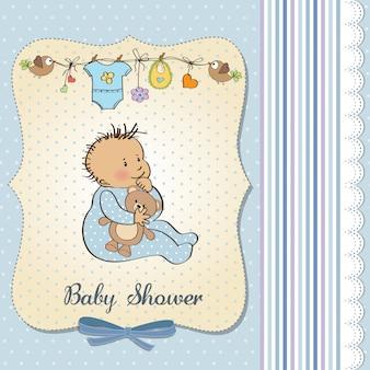 Tarjeta de anuncio de bebé con niño pequeño