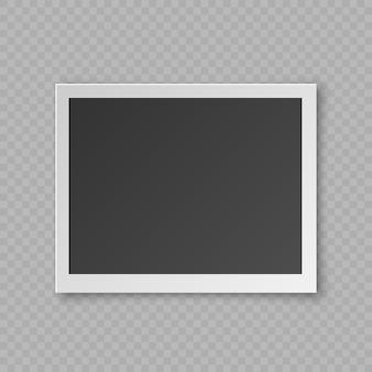 Tarjeta en blanco realista de la foto con efecto de sombra, frontera plástica blanca aislada en fondo transparente.