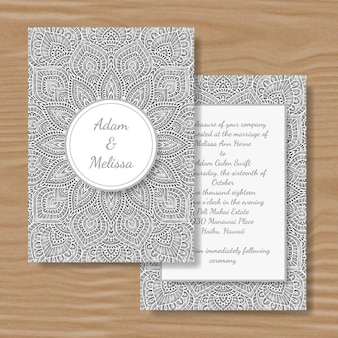 Tarjeta de boda blanca de la mandala del corte del papel.
