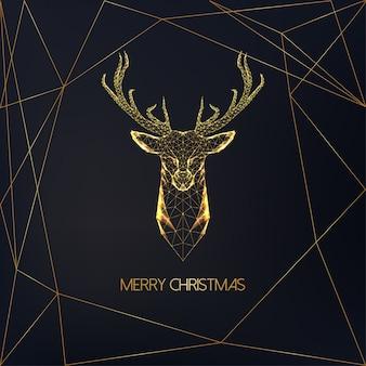 Tarjeta de felicitación de feliz navidad con cabeza de ciervo poligonal baja dorada con astas y texto en negro.