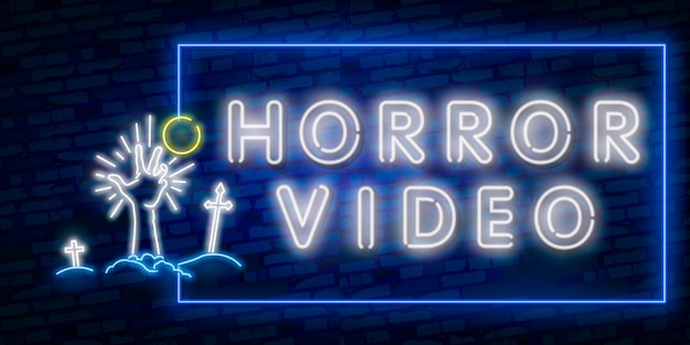 Tarjeta de felicitación de halloween cine nocturno. feliz logo de halloween, emblema.
