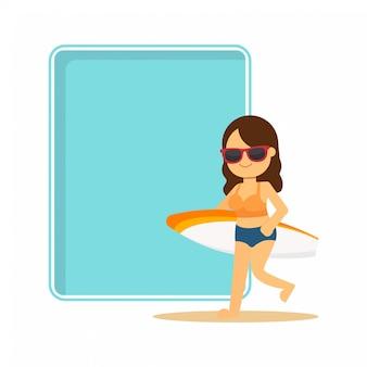 Tarjeta de felicitación con una mujer joven en una playa con una tabla de surf