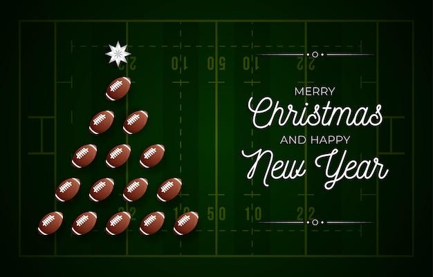 Tarjeta de felicitación de navidad y año nuevo. árbol de navidad creativo hecho por pelota de fútbol americano en el fondo del campo para la celebración de navidad y año nuevo. tarjeta de felicitación deportiva
