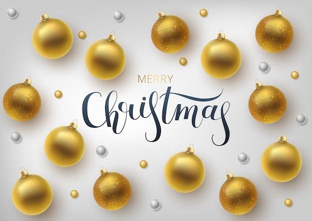 Tarjeta de felicitación de navidad, fondo bola de navidad dorada. letras dibujadas a mano.
