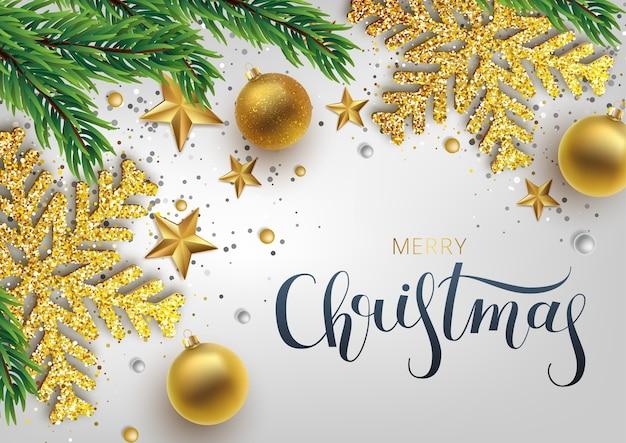 Tarjeta de felicitación de navidad, fondo bola de navidad dorada y plateada y abeto de rama. copo de nieve navideño dorado y plateado metálico. letras dibujadas a mano.