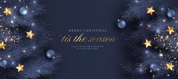 Tarjeta de felicitación navideña con decoración realista azul y dorada.