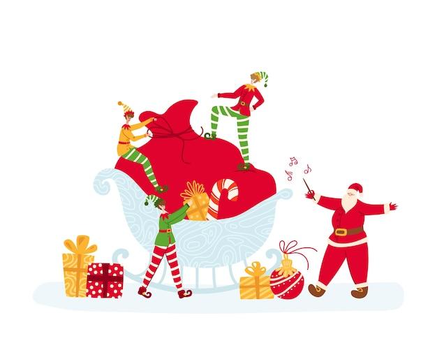 Tarjeta de felicitación navideña: los elfos pequeños están empacando una bolsa de regalo grande, santa claus dirige y canta