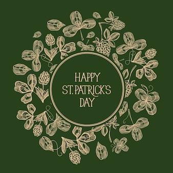 Tarjeta festiva del día de san patricio con inscripción de saludo en marco redondo y trébol irlandés dibujado a mano
