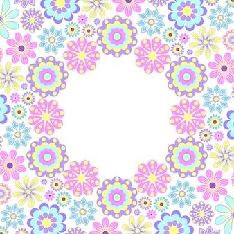 Tarjeta floral de la invitación en el fondo blanco.