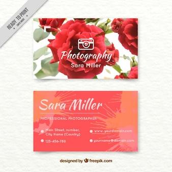 Tarjeta de fotógrafo pintada a mano con rosas de acuarela