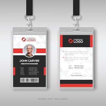 Tarjeta de identificación profesional con detalles en rojo.