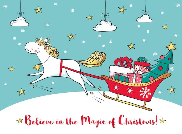 Tarjeta de invierno con lindo unicornio y regalos.