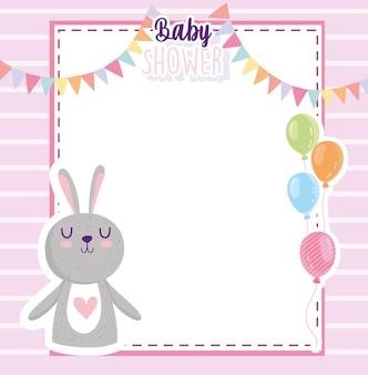 Tarjeta de invitación de baby shower conejo globos y banderines decoración ilustración vectorial